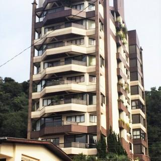 Vende-se apartamento central em Marau