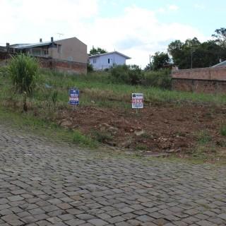 Terreno de esquina para venda em Marau/RS