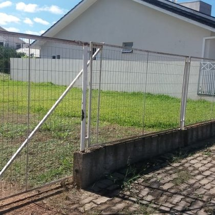 Vende-se terreno em Vila Maria
