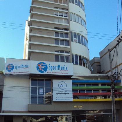 Aluga-se sala comercial no centro de Marau - em prédio novo.