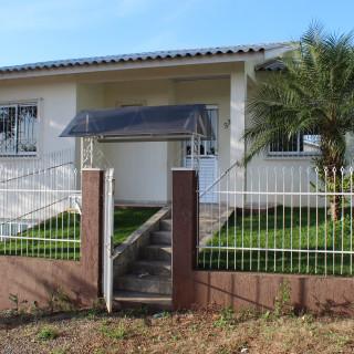 Casa de esquina à venda