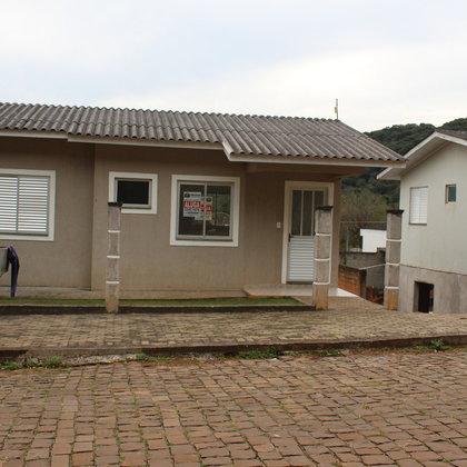Aluga- se Casa em Marau/ Rs.
