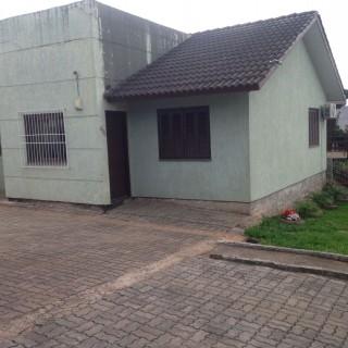 Excelente casa a venda em condomínio fechado