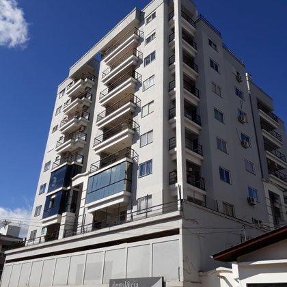 Vende-se Apartamento central com Móveis sob Medida, em Marau -RS