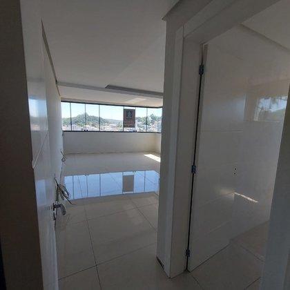 Vende-se cobertura duplex no centro de Marau RS