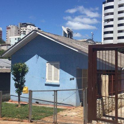 Vende-se Casa no Centro de Marau-RS