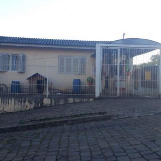 Vende-se Residência Central em Marau/RS