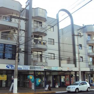 Aluga-se apartamento central em Marau