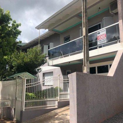 Comprar casa ampla com 2 pavimentos próximo da FABE