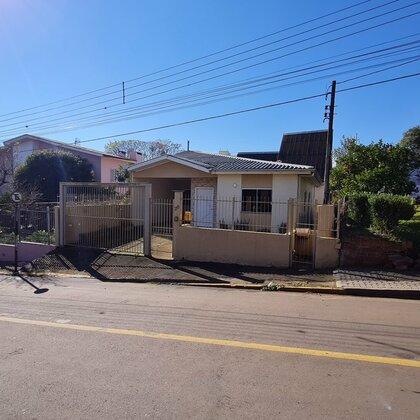 Vende-se casa com 3 dormitórios na Vila Borges em Marau