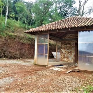 Vende-se lindíssimo sítio perto do centro em Marau