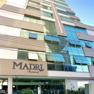 Vende-se lindíssimo apartamento em Meia Praia Itapema