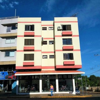 Vende-se apartamento na avenida julio borella no centro de Marau