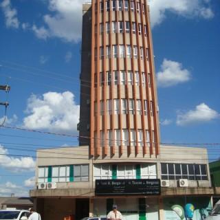 Vende-se sala comercial no edifício das clínicas em Marau