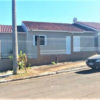 Vende-se excelente casa de 3 dormitórios em Marau