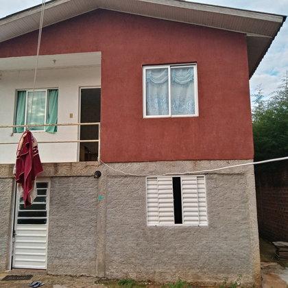 Vende-se casa no loteamento Adalberto