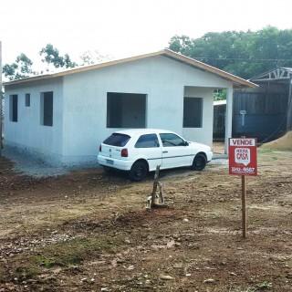 Vende-se Terreno com casa em construção