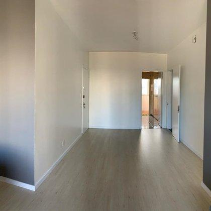 Vende-se apartamento 3 dormitórios próximo ao Banrisul no centro em Marau