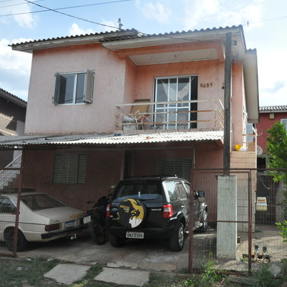 Casa a venda com 2 moradias