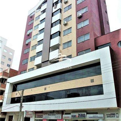 Vende-se apartamento com duas vagas no centro em Marau