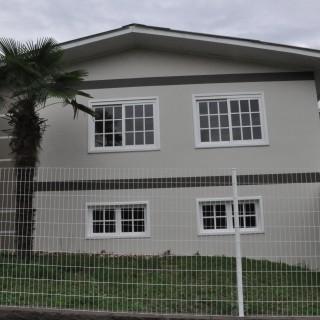 Vende-se casa em até 3 anos para pagar no centro de Gentil