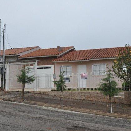 Ótima casa no Bairro Frei Adelar