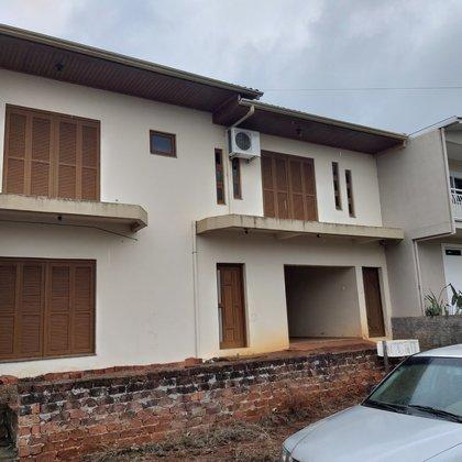 Vende-se Excelente Casa No Bairro São Cristóvão em Marau