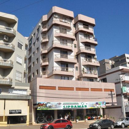 Ótimo apartamento na Avenida Julio Borella