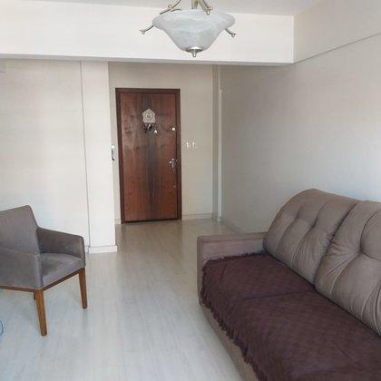 Vende-se apartamento de 3 dormitórios no centro em Marau