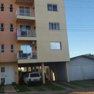 Vende-se apartamento no colinas lindo apartamento bem localizado com 02 vagas de garagem em Marau