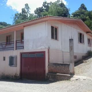 Terreno com casa no bairro Santa Helena com área total de 2.328,15 m²