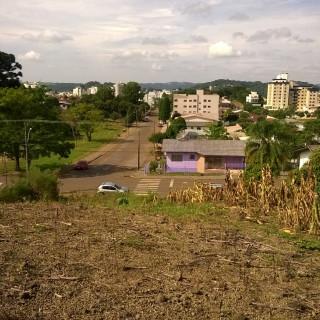 Vende-se lindo terreno no bairro Bosque