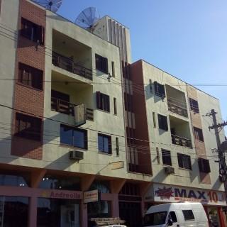 Apartamento 3 dormitórios na Avenida