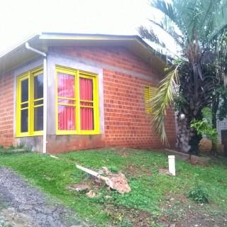 vende-se casa no Bairro São Jose Operário
