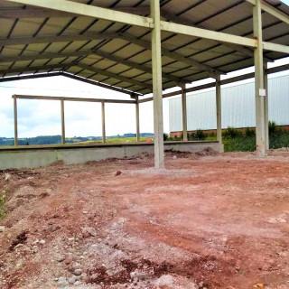 Vende-se pavilhão perto da perimetral em Marau