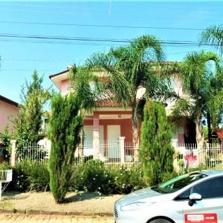 Vende-se Lindíssima Casa Próximo a Avenida Bento Gonçalves