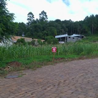 Vende-se terreno em otima localização