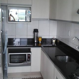 Vende-se apartamento mobiliado no Bairro Colinas