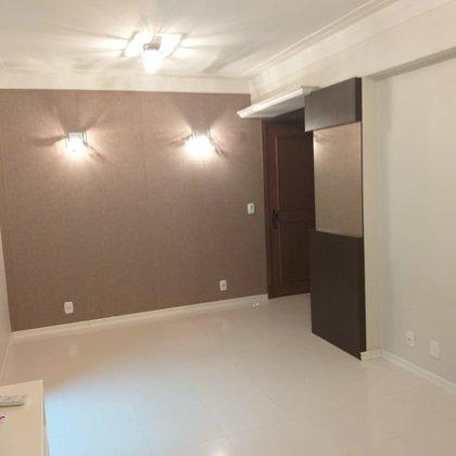Vende-se Lindo apartamento no centro de Marau