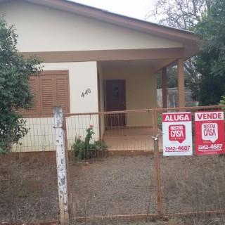 Vende-se ou troca-se casa no Centro de Camargo