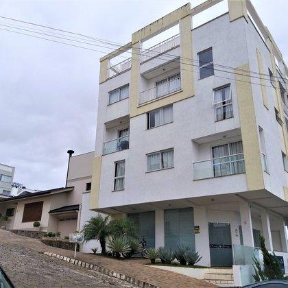 Vende-se apartamento de 2 dormitórios no centro em Marau