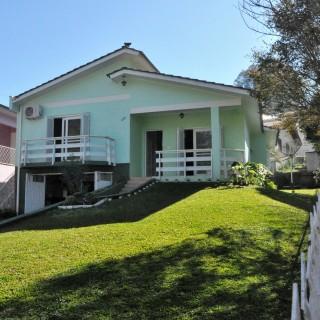 Vende-se linda casa no bairro guadalupe em Marau