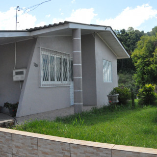 'Vende-se ótima casa no Bairro Santa Helena