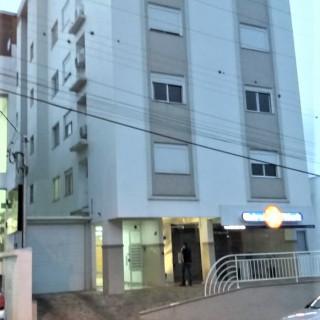 Vende-se apartamento 2 dormitórios e com terraço em Marau