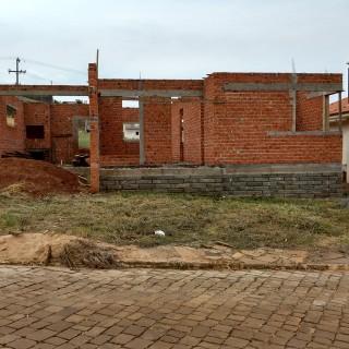 Casa em fase de construção em alvenaria em Casca!