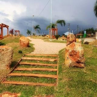 Vende-se excelente terreno em Camargo
