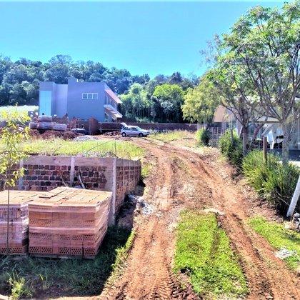 Vende-se Excelente terreno para sitio 1,5 km do centro em Marau