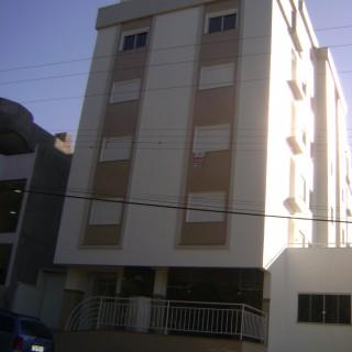 Vende-se apartamento de 02 Dormitórios próximo ao Centro