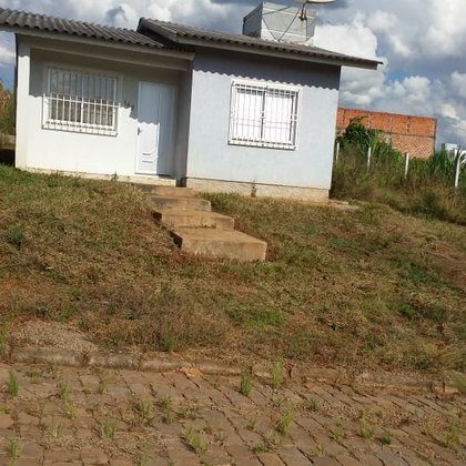 Vende-se Casa com 2 Dormitórios no Bairro Colinas Nova Marau