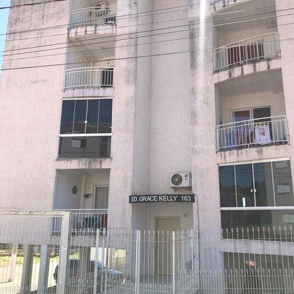 Apartamento mobiliado para venda.